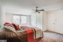 Love the size of this 2nd master bedroom - 13812 MEADOWBROOK RD, WOODBRIDGE