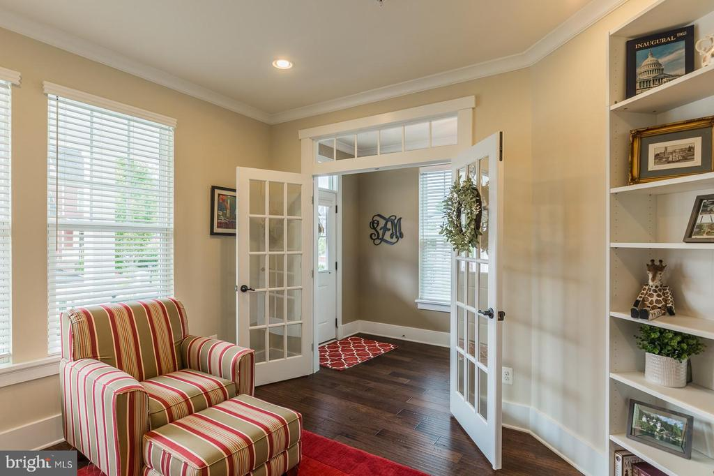 French doors and wood floors - 16960 TAKEAWAY LN, DUMFRIES