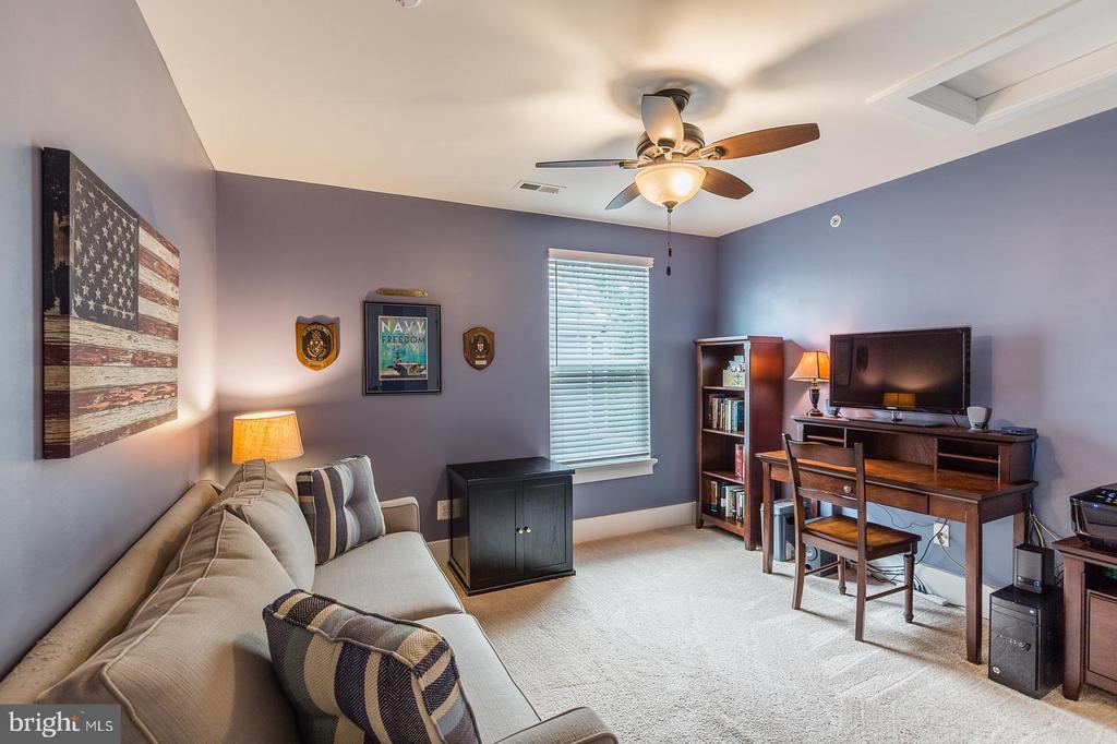 Bedroom #1 upstairs - 16960 TAKEAWAY LN, DUMFRIES