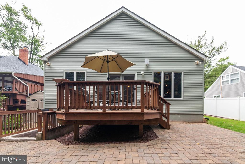 Deck and patio - 522 CALVIN LN, ROCKVILLE