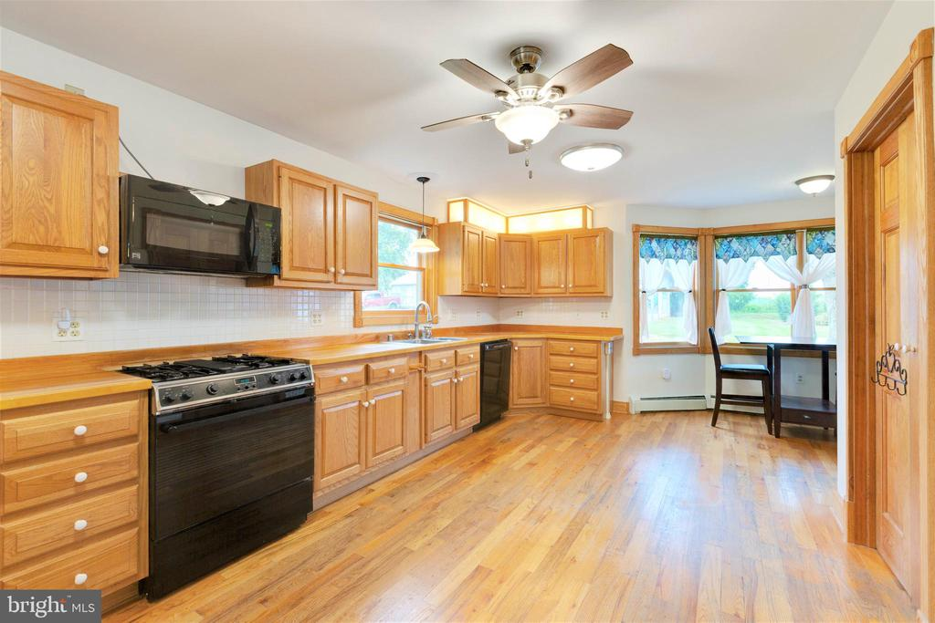 Kitchen with hand made wooden counters - 2514 POFFENBERGER RD, MIDDLETOWN
