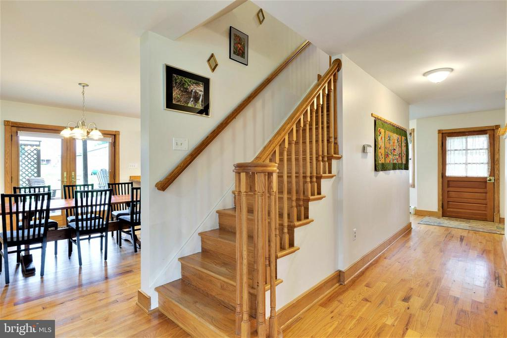Main stairway - 2514 POFFENBERGER RD, MIDDLETOWN