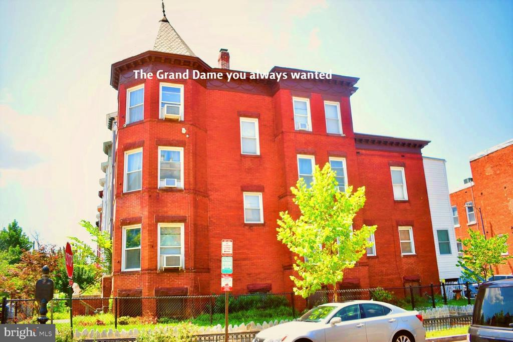 Grand Dame of  Bloomingdale - 2036 1ST ST NW, WASHINGTON