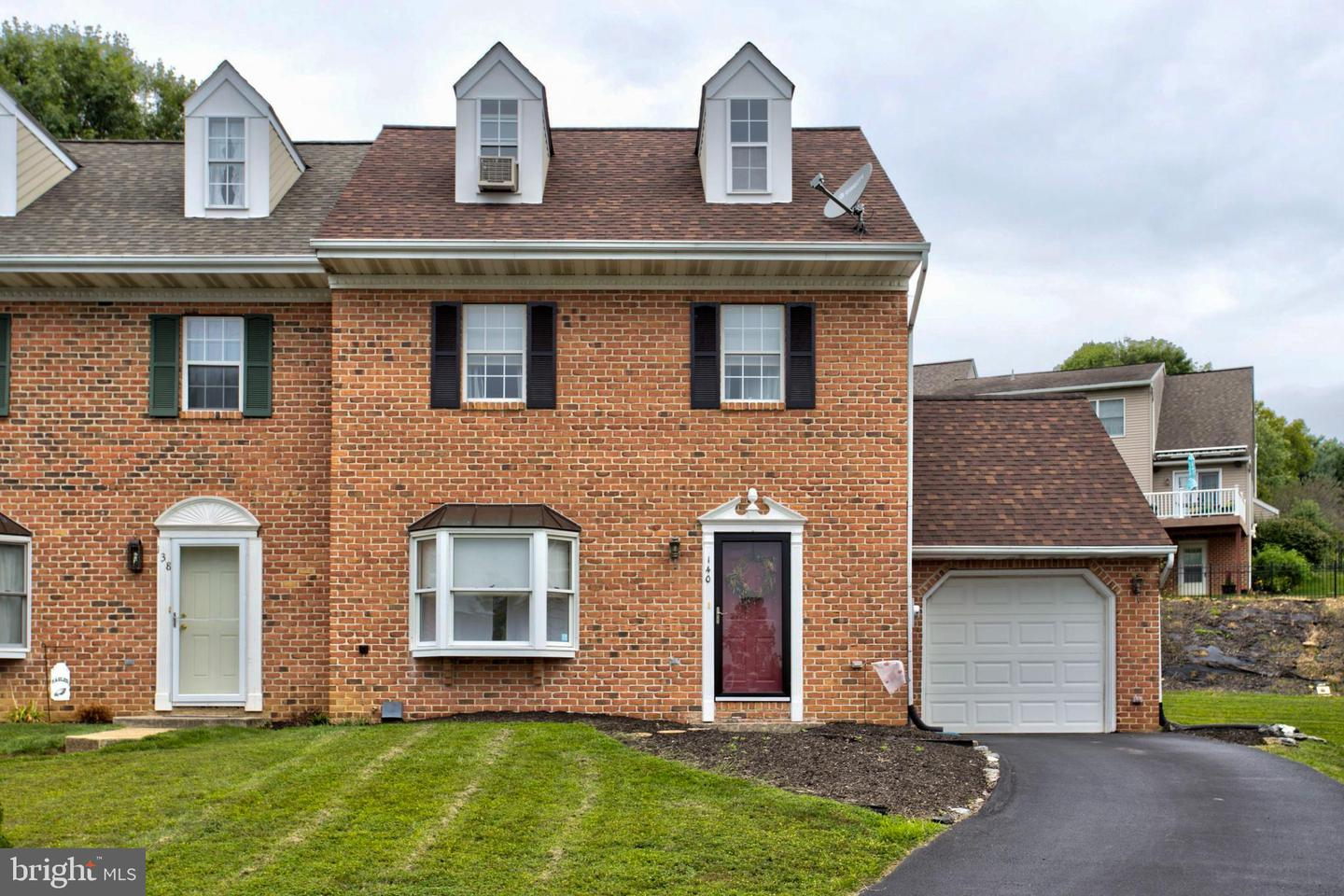 Single Family Homes for Sale at Mountville, Pennsylvania 17554 United States