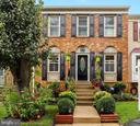 - 13945 WATER POND CT, CENTREVILLE