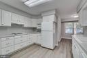 TONS OF CABINETS AND COUNTERTOPS - 3008 AQUIA DR, STAFFORD