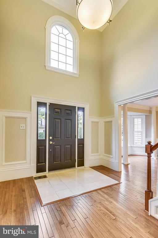 Two story entry foyer - 12001 SUGARLAND VALLEY DR, HERNDON