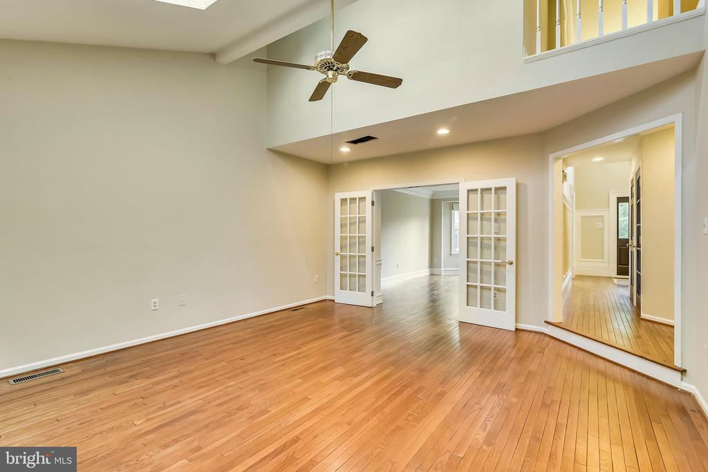 Great room - 12001 SUGARLAND VALLEY DR, HERNDON