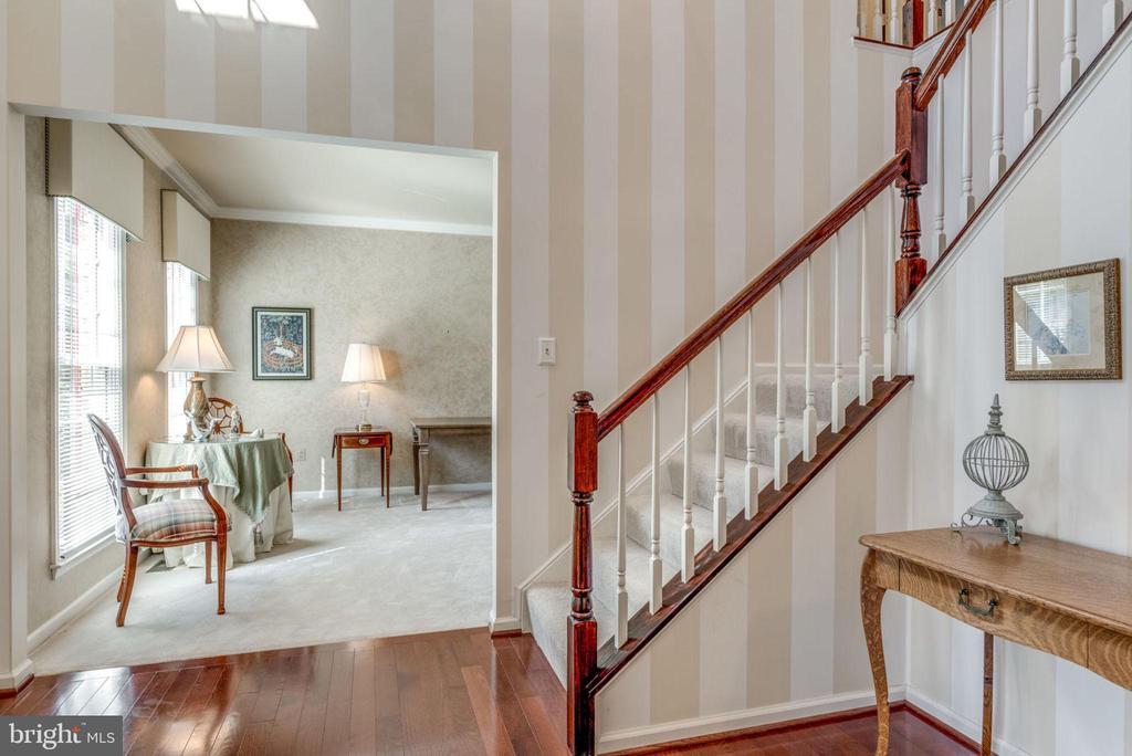 Foyer to Living Room! - 20650 SETTLERS POINT PL, STERLING