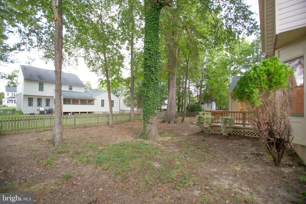 Mature Hardwoods Shade the Home - 6227 SWEETBRIAR DR, FREDERICKSBURG