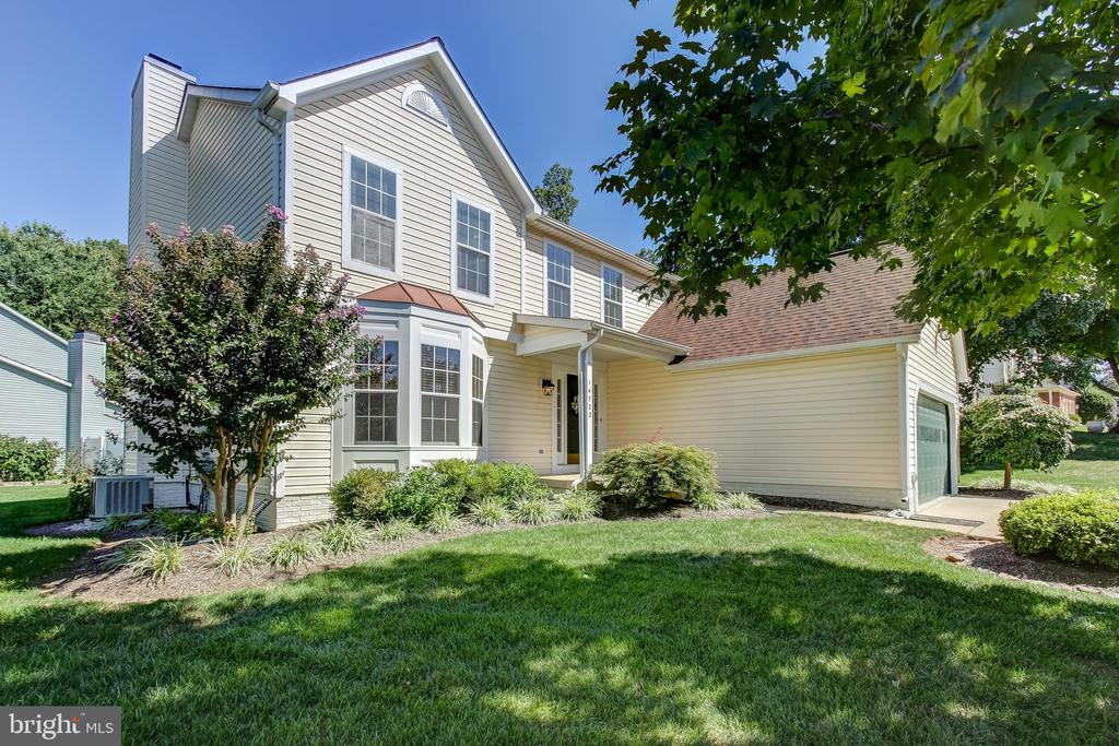 Beautifully Updated for New Owner!  New Roof! - 14722 TOP SERGEANT LN, CENTREVILLE