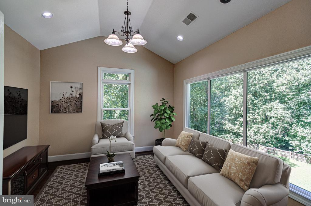Owner's Suite Sitting Room - 1428 CROWELL RD, VIENNA