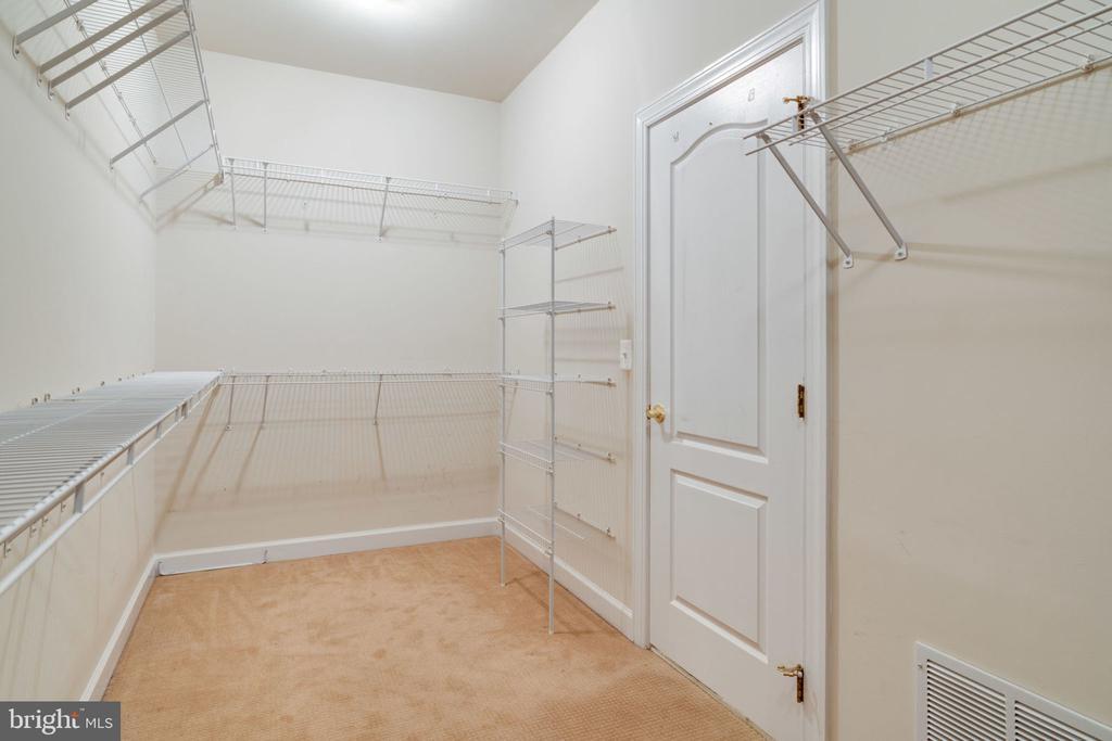 Master walk in closet - 11914 HADDON LN, WOODBRIDGE