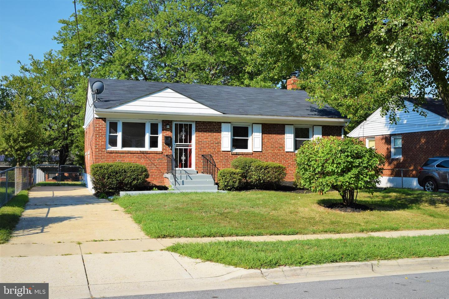 Single Family Homes para Venda às Capitol Heights, Maryland 20743 Estados Unidos