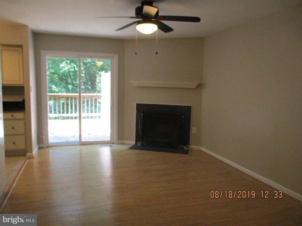 Nice Fireplace for those Cold Winter Nights - 3044 WINTER PINE CT, FAIRFAX
