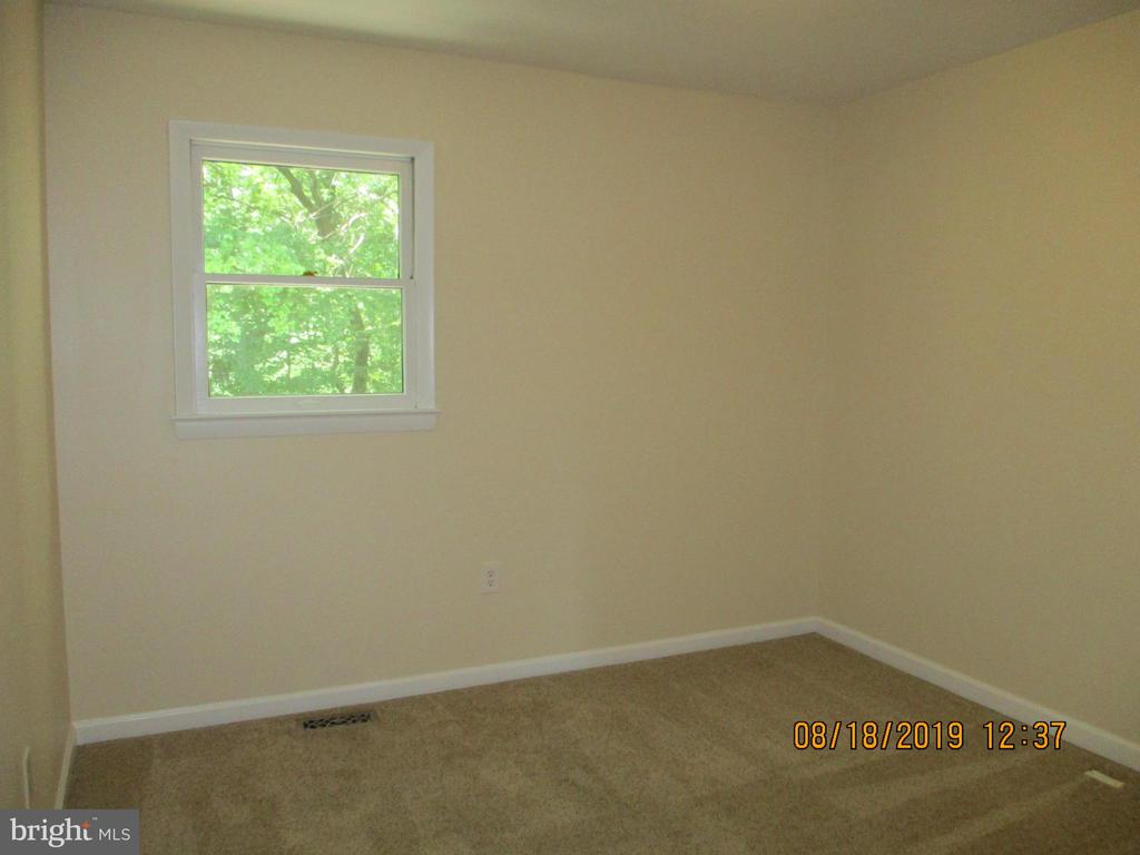 Large 2nd Bedroom - 3044 WINTER PINE CT, FAIRFAX