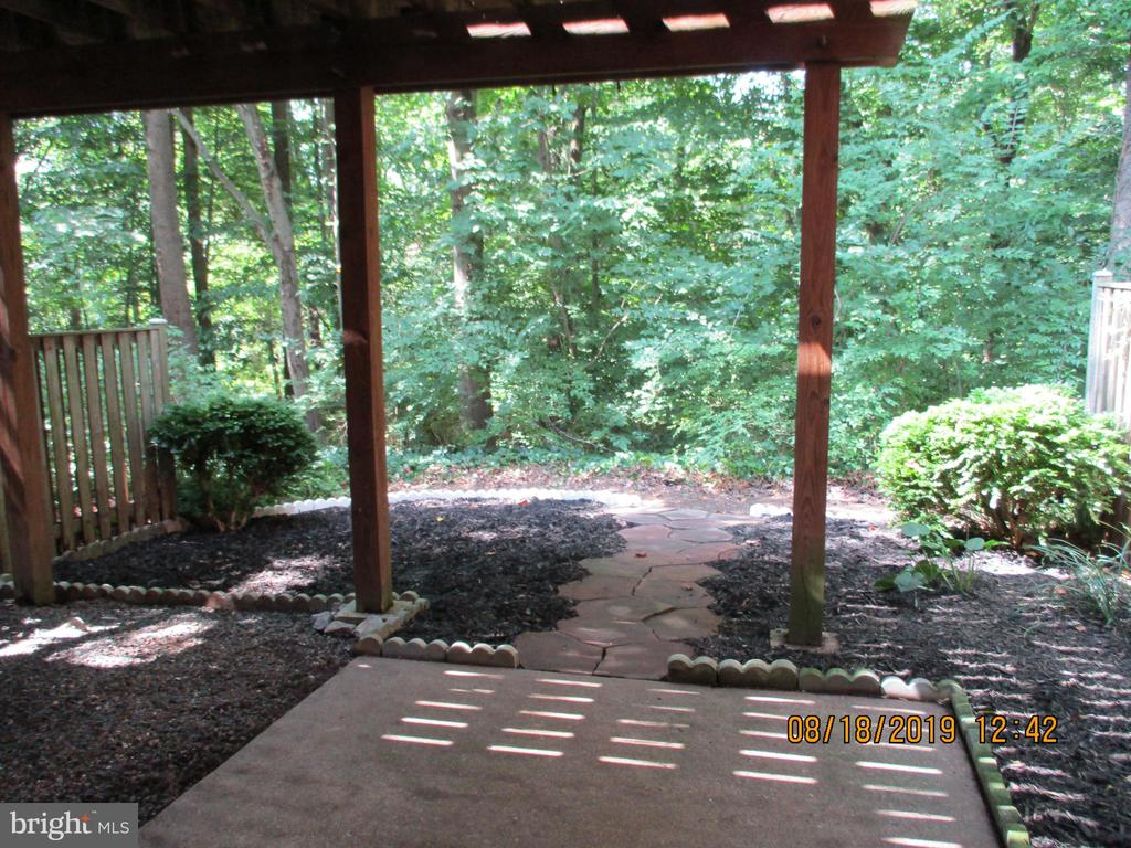 Great Privacy and Lovely Patio - 3044 WINTER PINE CT, FAIRFAX