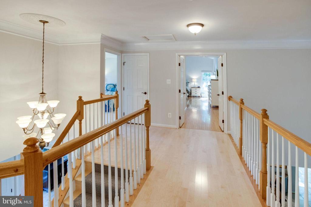 Hardwood Flooring in upper level hallway - 13909 BALMORAL TER, CLIFTON
