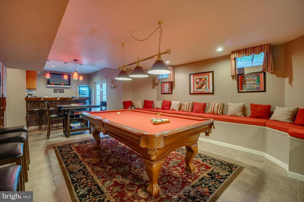 pool table can convey - 132 CHRISWOOD LN, STAFFORD