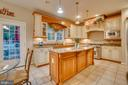 custom high-end cabinetry - 132 CHRISWOOD LN, STAFFORD