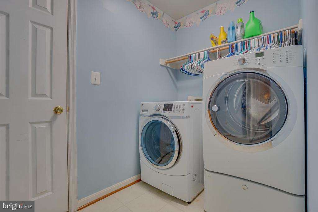 washer and dryer on top bedroom level - 132 CHRISWOOD LN, STAFFORD