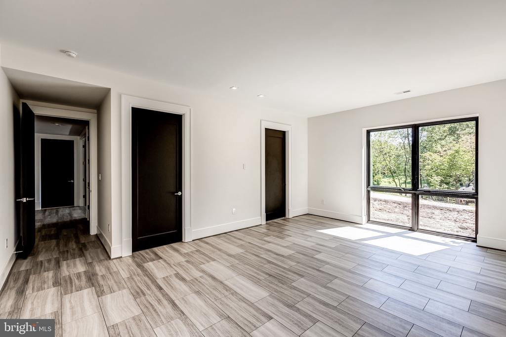 En-suite Bedroom ( Lower Level )) - 1101 JONQUIL CIR, GREAT FALLS
