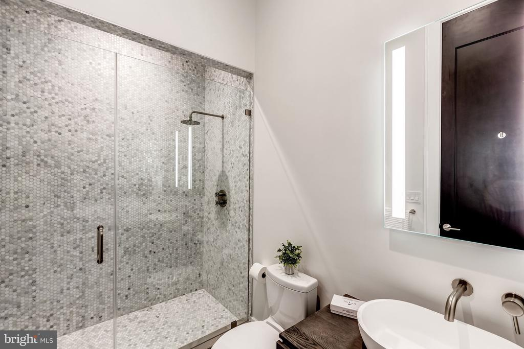 En-suite Bathroom - 1101 JONQUIL CIR, GREAT FALLS