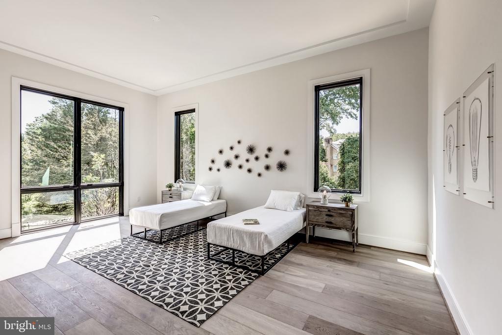 En-suite Bedroom #2 - 1101 JONQUIL CIR, GREAT FALLS