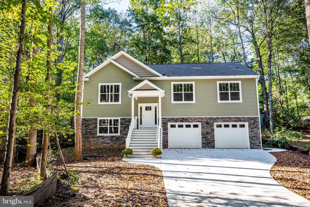 HOME UNDER CONSTRUCTION - COLORS WILL BE THE SAME - 105 EDGEMONT CIR, LOCUST GROVE