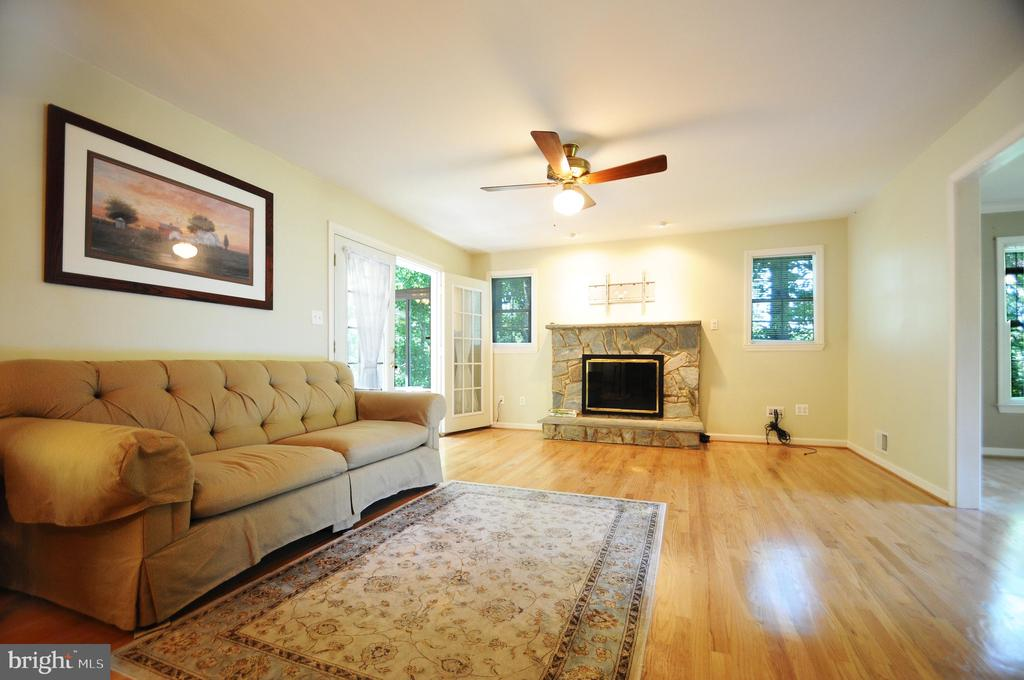 Family Room with Gas Fireplace - 11107 BRADDOCK RD, FAIRFAX
