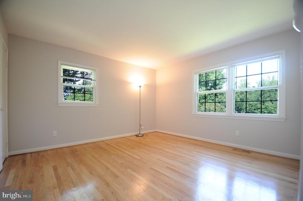 Bedroom 3 - 11107 BRADDOCK RD, FAIRFAX
