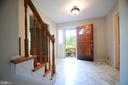 Large Open Foyer - 11107 BRADDOCK RD, FAIRFAX