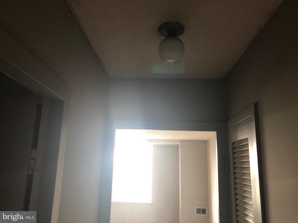 Hallway - 2030 N ADAMS ST #1104, ARLINGTON