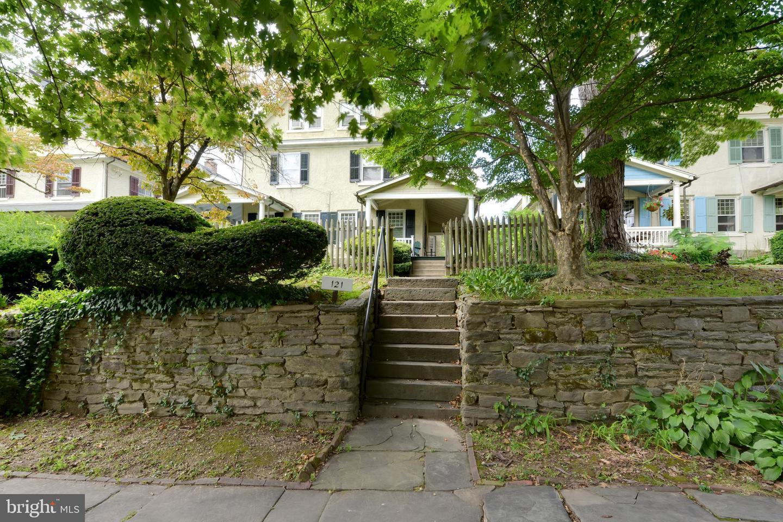 Property vì Bán tại Philadelphia, Pennsylvania 19118 Hoa Kỳ