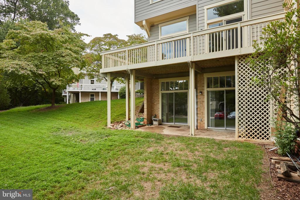 Rear Deck with Lower Level Walk-out - 2 Sliders - 11117 WATERMANS DR, RESTON