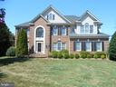 CLASSIC CENTER HALL COL  ON 1/2 ACRE CUL DE SAC - 8900 GRIST MILL WOODS CT, ALEXANDRIA
