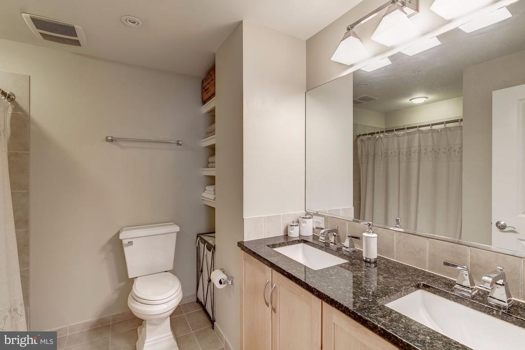 Master bath with dual sink vanity - 888 N QUINCY ST #909, ARLINGTON