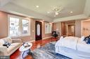 Main Master Bedroom Suite - 120 KINGSLEY RD SW, VIENNA