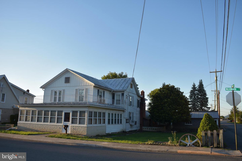 Single Family Homes 为 销售 在 Moorefield, 西弗吉尼亚州 26836 美国