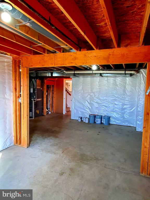 Space for large rec room. - 56 SHORT BRANCH RD, STAFFORD