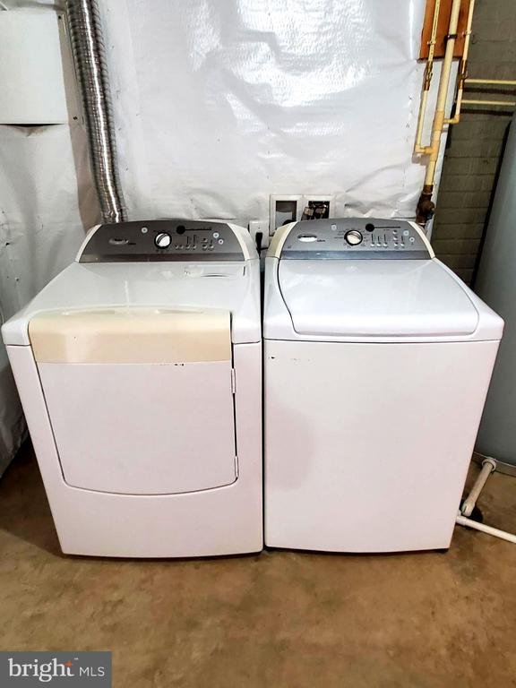 Washer and dryer convey. - 56 SHORT BRANCH RD, STAFFORD