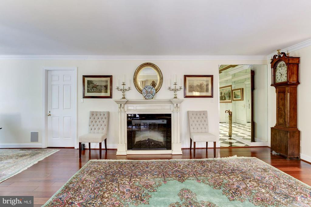 Electric fireplace in Living Room - 1080 WISCONSIN AVE NW #103/104, WASHINGTON