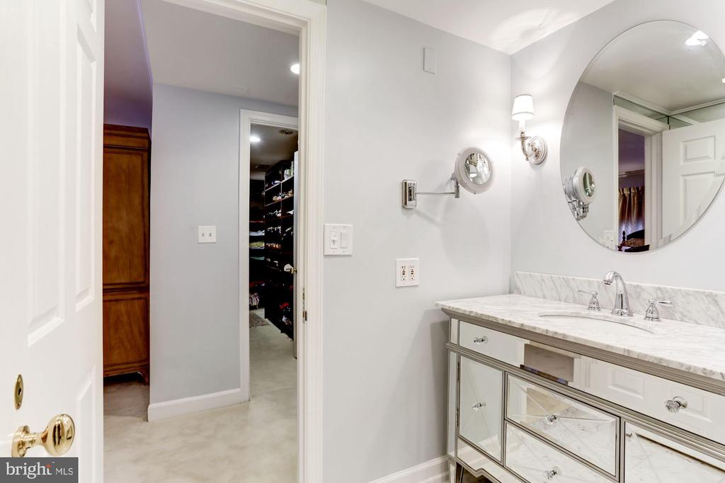 One of two en-suite Baths in Master - 1080 WISCONSIN AVE NW #103/104, WASHINGTON