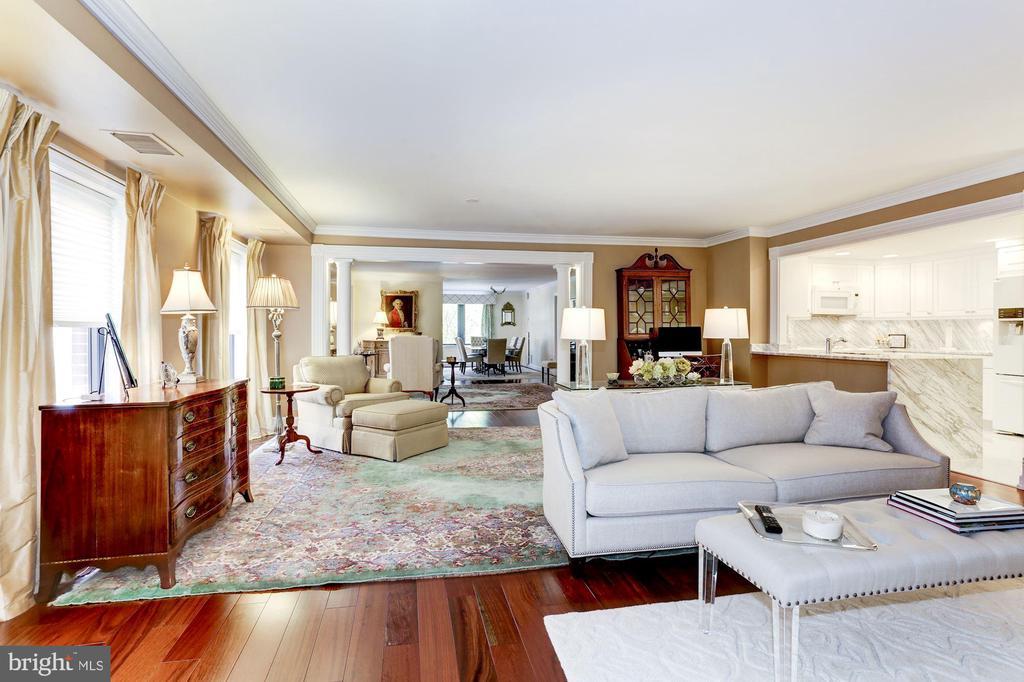 Family Room - 1080 WISCONSIN AVE NW #103/104, WASHINGTON