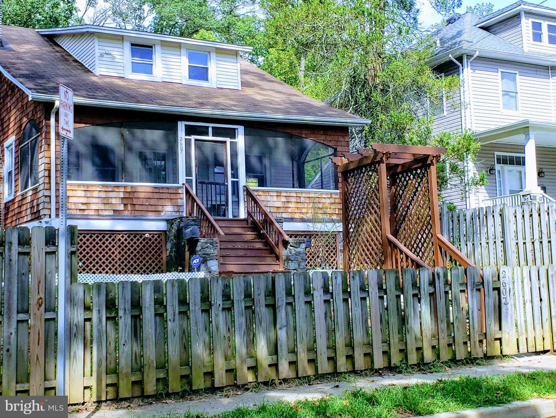 Single Family Homes 용 매매 에 Gwynn Oak, 메릴랜드 21207 미국