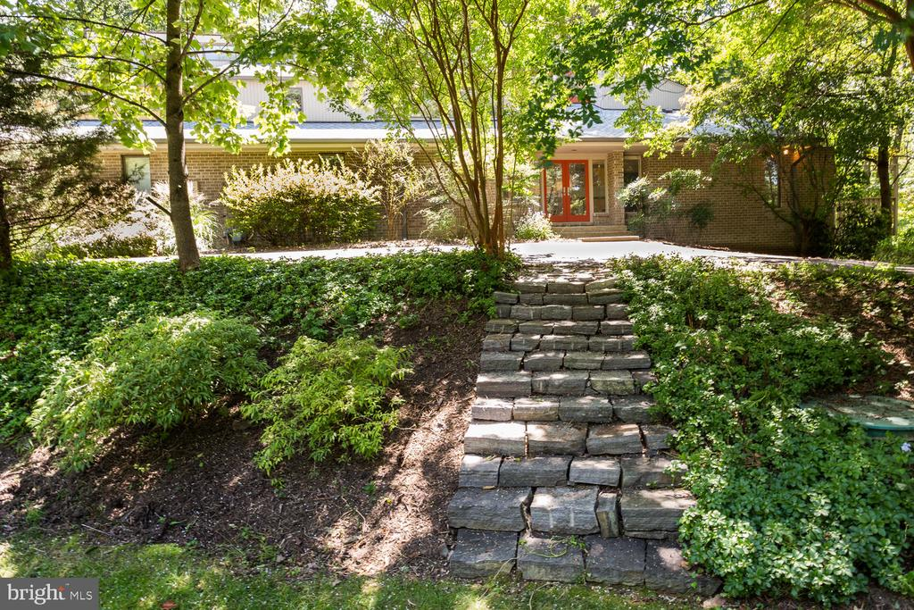 Steps from Front Yard - 8518 OLD DOMINION DR, MCLEAN