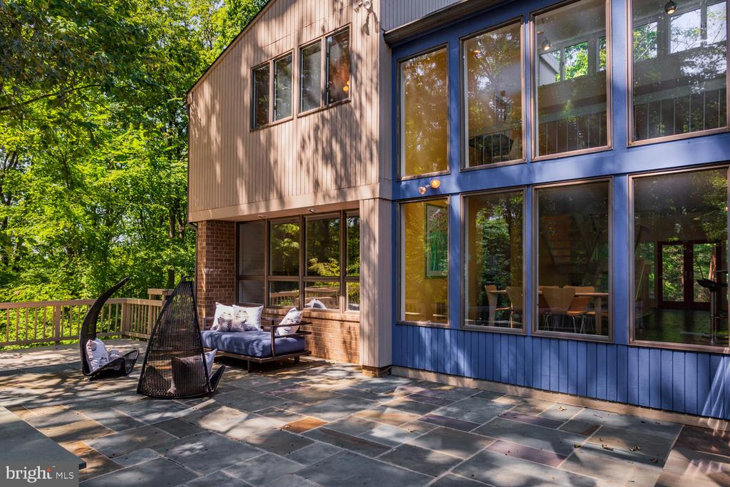 Rear Exterior Patio - 8518 OLD DOMINION DR, MCLEAN