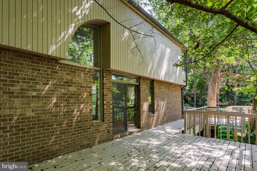 Exterior - 8518 OLD DOMINION DR, MCLEAN