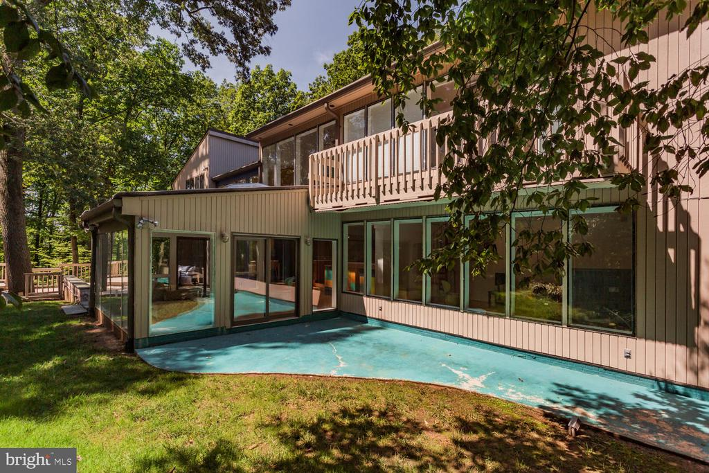 Rear Exterior - 8518 OLD DOMINION DR, MCLEAN