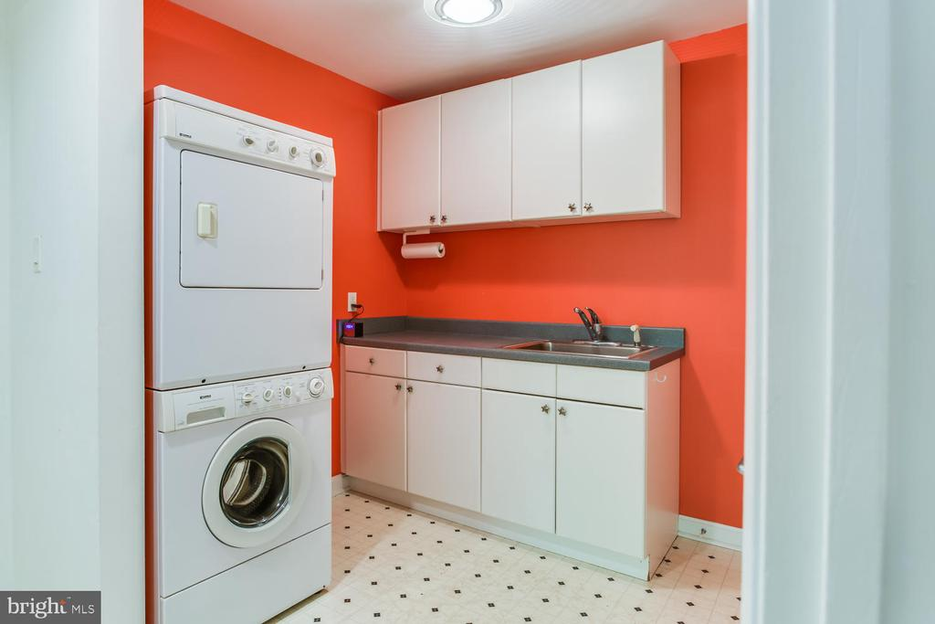 Laundry Room - 8518 OLD DOMINION DR, MCLEAN